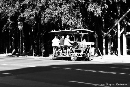 people1_20130525_beerbike