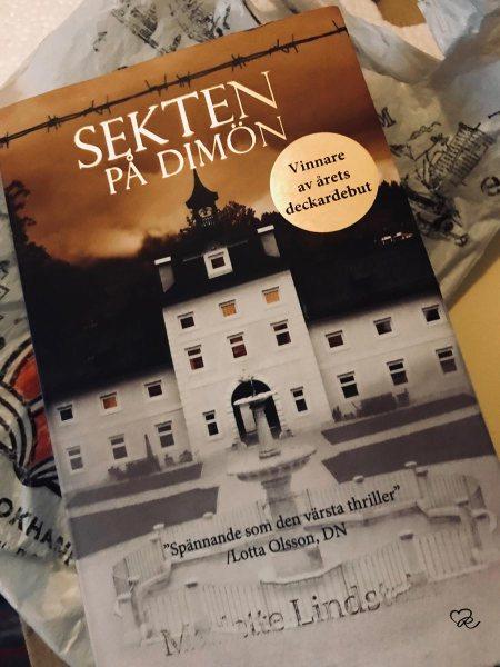 Sekten på Dimön av Mariette Lindstein.